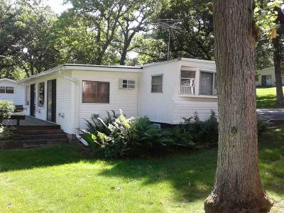 Ripon Single Family Home For Sale: W1325 Spring Grove Rd Road #37