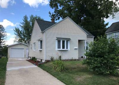 Beaver Dam Single Family Home For Sale: 512 West Mackie St Street