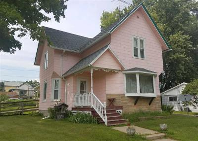 Dodge County Single Family Home For Sale: 216 Garfield Ave Avenue