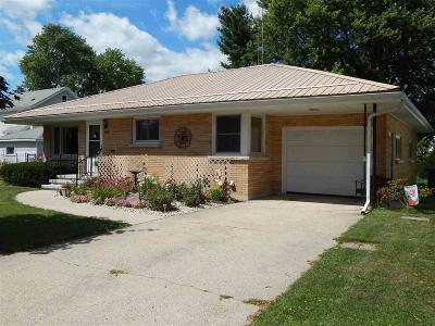 Dodge County Single Family Home For Sale: 206 Francis Ct Court