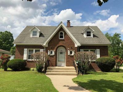 Dodge County Single Family Home For Sale: 410 North St Street