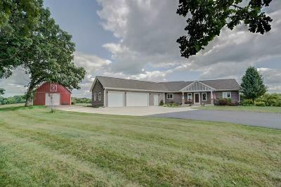 Fall River Single Family Home For Sale: N6420 Burns Rd Road
