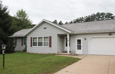 Green Lake County Single Family Home For Sale: 737 Twin Oaks Ct Court