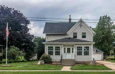 Dodge County Single Family Home For Sale: 412 Columbia St Street