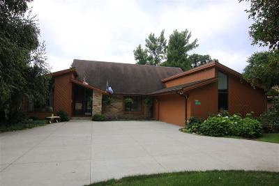 Green Lake County Single Family Home For Sale: W1951 Camelot Trace Court Court