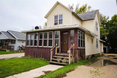Fond Du Lac WI Single Family Home For Sale: $49,900