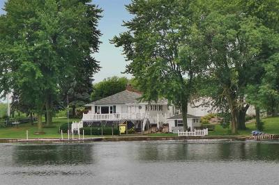 Fond du Lac County Single Family Home For Sale: W971 South Shore Lane Lane