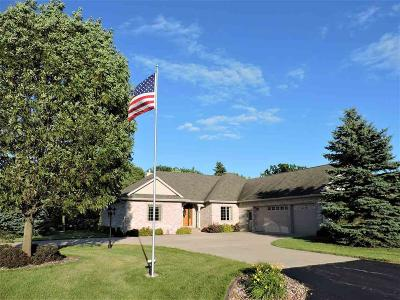 Oshkosh Single Family Home For Sale: 1488 Hayden Drive Drive