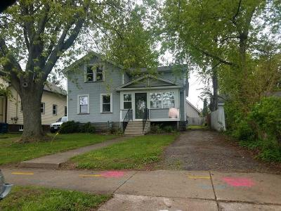 Oshkosh Single Family Home For Sale: 575 Hazel Street Street