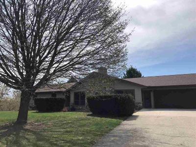 Fond du Lac County Single Family Home For Sale: W3340 Skylane Drive Drive