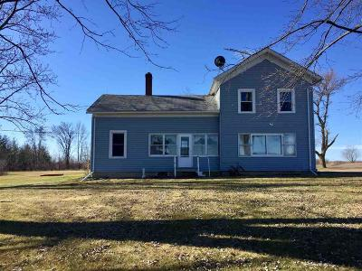 Waupun Single Family Home For Sale: N3469 Hwy 151