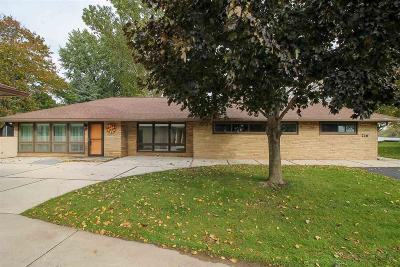 Fond du Lac County Single Family Home For Sale: 726 Lakeshore Drive Drive