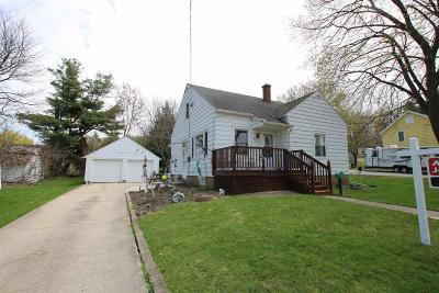 Ripon Single Family Home For Sale: 211 Locust Street Street
