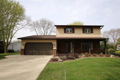 Fond du Lac County Single Family Home For Sale: 34 Eastbrook Lane Lane
