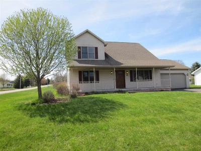 Omro Single Family Home For Sale: 735 Clemans Court Court
