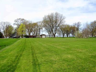 Fond du Lac County Single Family Home For Sale: N9366 Elm Beach Road Road