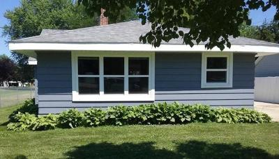 Fond du Lac County Single Family Home For Sale: N9017 Lakeshore Drive Drive