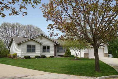 Fond du Lac County Single Family Home For Sale: 31 Cumberlynn Circle Circle