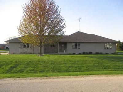 Fond du Lac County Single Family Home For Sale: N6533 Carrington Drive Drive