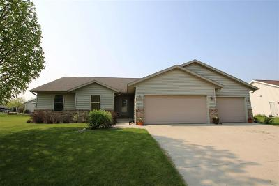 Fond du Lac County Single Family Home For Sale: 42 Southern Edge Drive Drive