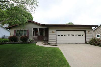 Fond du Lac County Single Family Home For Sale: 998 Birch Tree Lane Lane
