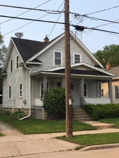 Oshkosh Single Family Home For Sale: 1104 School Avenue Avenue