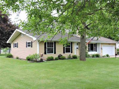 Omro Single Family Home For Sale: 337 East Scott Street Street