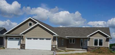 Winnebago County Single Family Home For Sale: 1195 Lori Drive Drive