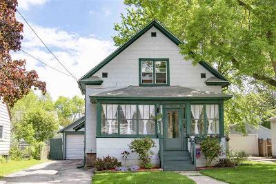 Oshkosh Single Family Home For Sale: 1514 Western Street Street