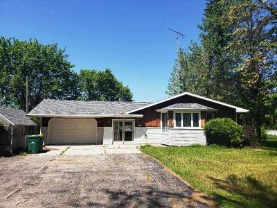 Fond du Lac County Single Family Home For Sale: W6815 North Eastwood Lane Lane