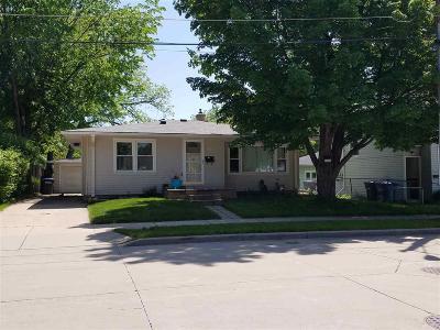 Oshkosh Single Family Home For Sale: 1134 Merrill Street Street