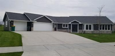 Fond du Lac County Single Family Home For Sale: 770 Mustang Lane Lane