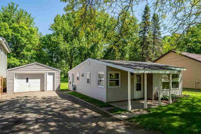 Oshkosh Single Family Home For Sale: 108 East Ripple Avenue Avenue