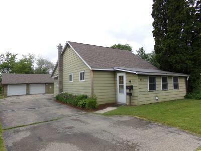 Waupun Single Family Home For Sale: 398 Fond Du Lac Street Street