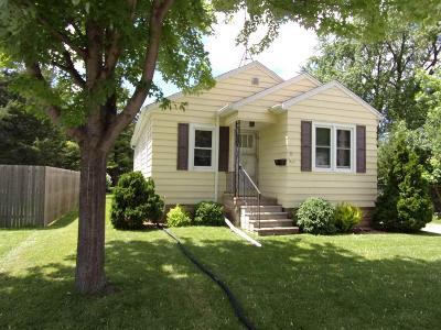 Oshkosh Single Family Home For Sale: 423 North Lark Street Street