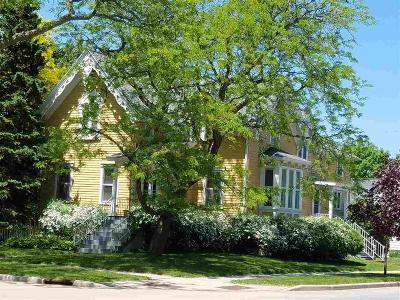 Fond du Lac County Single Family Home For Sale: 203 Hoyt Street Street