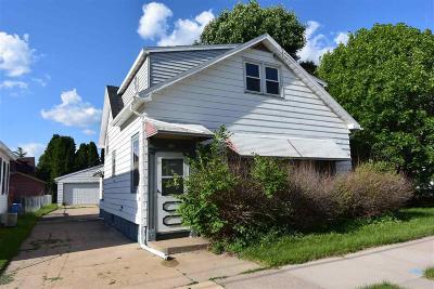 Oshkosh Single Family Home For Sale: 928 Harney Avenue Avenue
