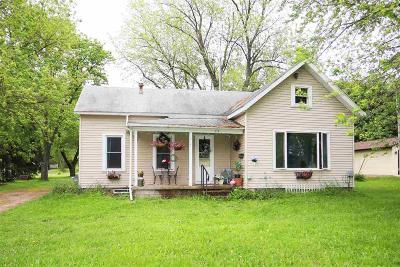 Green Lake County Single Family Home For Sale: 214 Center Street Street