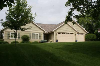 Fond du Lac County Single Family Home For Sale: N5160 Oak Hill Road Road