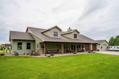 Oshkosh Single Family Home For Sale: 3472 Brooks Road Road
