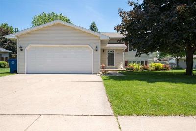 Oshkosh Single Family Home For Sale: 2570 Hamilton Street Street