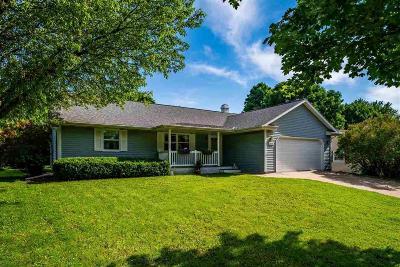 Oshkosh Single Family Home For Sale: 2655 Montclair Place Place