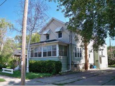 Oshkosh Multi Family Home For Sale: 802 Bayshore Drive Drive