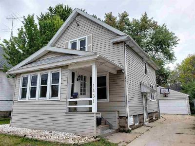 Oshkosh Single Family Home For Sale: 1431 Jefferson Street Street