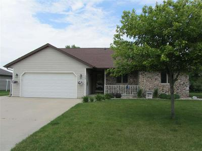 Fond du Lac County Single Family Home For Sale: 520 Redwing Court Court