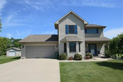 Fond du Lac County Single Family Home For Sale: W6909 Brookview Drive Drive