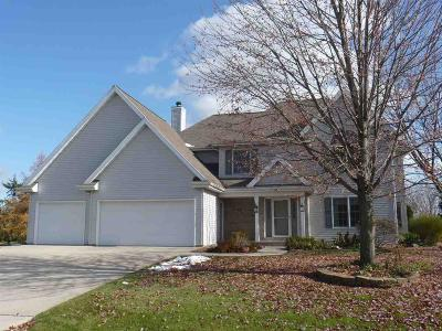 Fond du Lac County Single Family Home For Sale: 19 Country Court Court