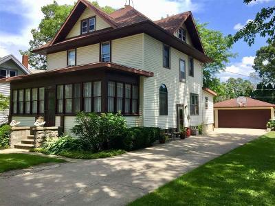 Waupun Single Family Home For Sale: 517 South Madison Street Street