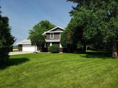 North Fond Du Lac Single Family Home For Sale: N7884 Lakeshore Drive Drive