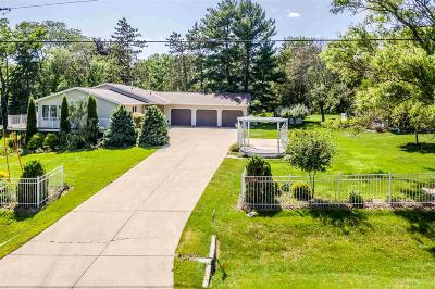 Green Lake County Single Family Home For Sale: N5725 Klaver Street Street